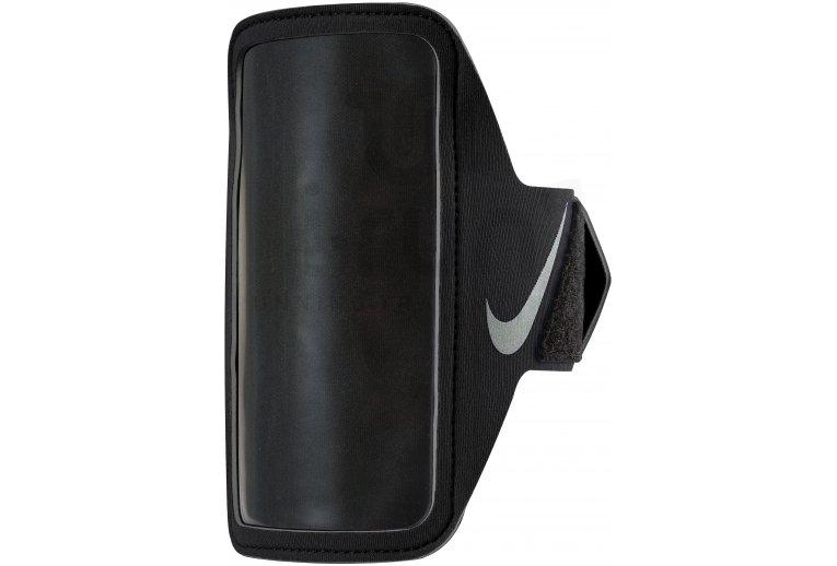 Nike Brassard Lean