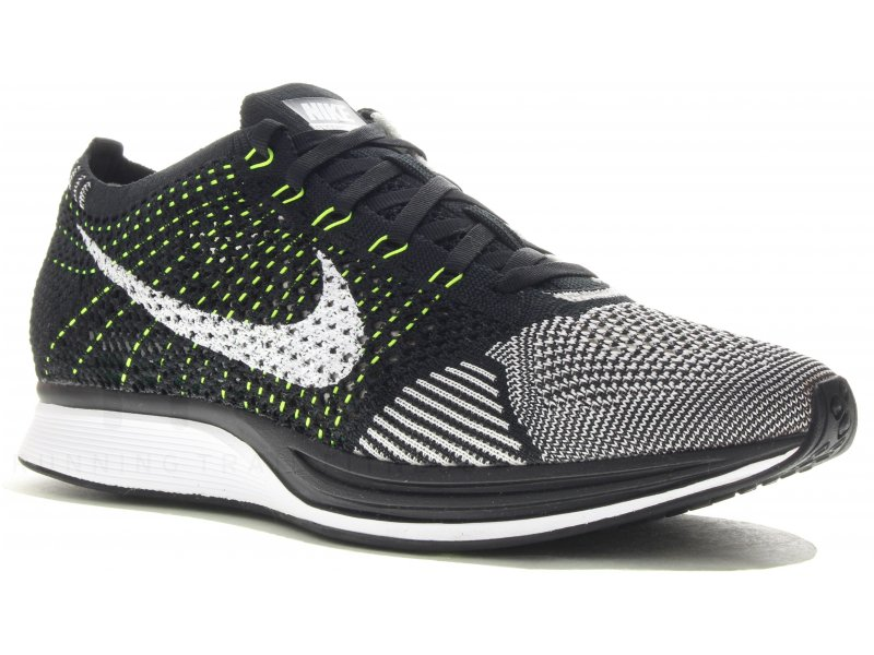 nike flyknit racer m pas cher chaussures homme running route en promo. Black Bedroom Furniture Sets. Home Design Ideas