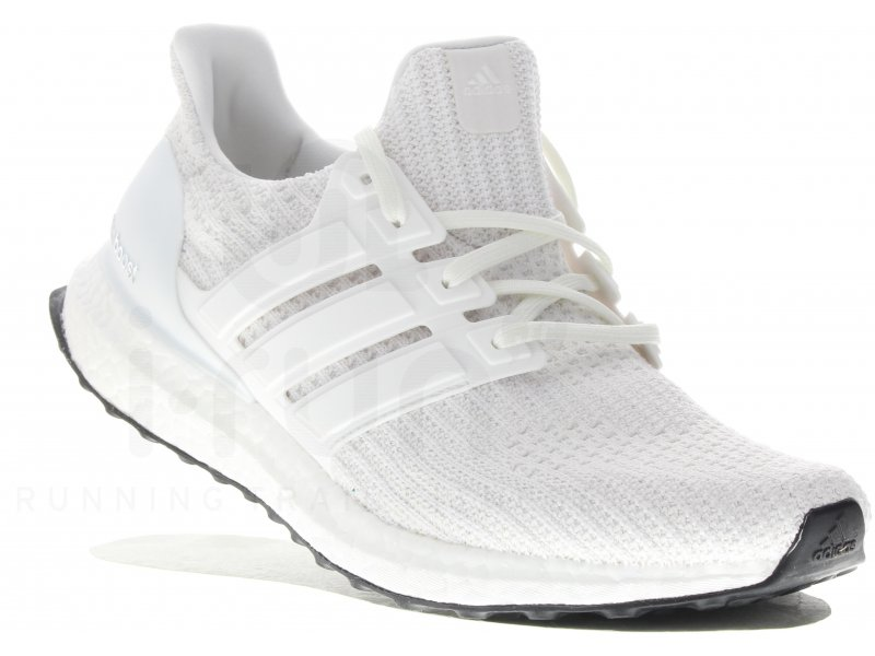 adidas UltraBOOST M Triple White pas cher - Chaussures homme running Route & chemin en promo