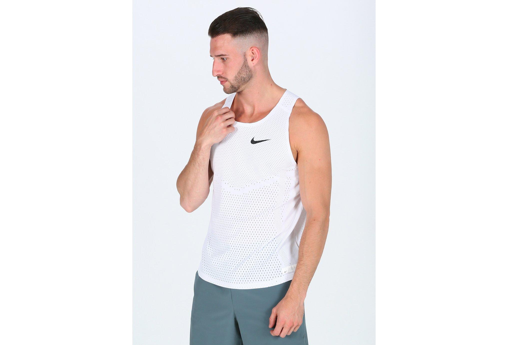 80Spot De CherPromos Shop Nike 8À Pas A w0v8myOPNn